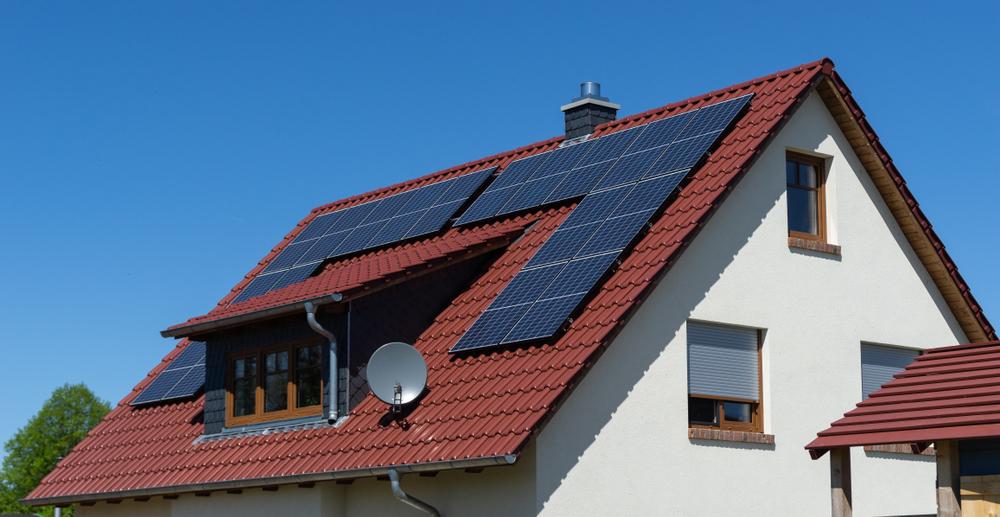solarni-panely-cena